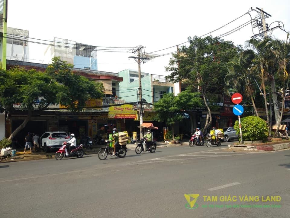 Cho thuê nhà mặt tiền đường Bàu Cát, Phường 14, Quận Tân Bình, DT 8x18m, 1 trệt, 3 lầu, Giá 130 triệu/tháng