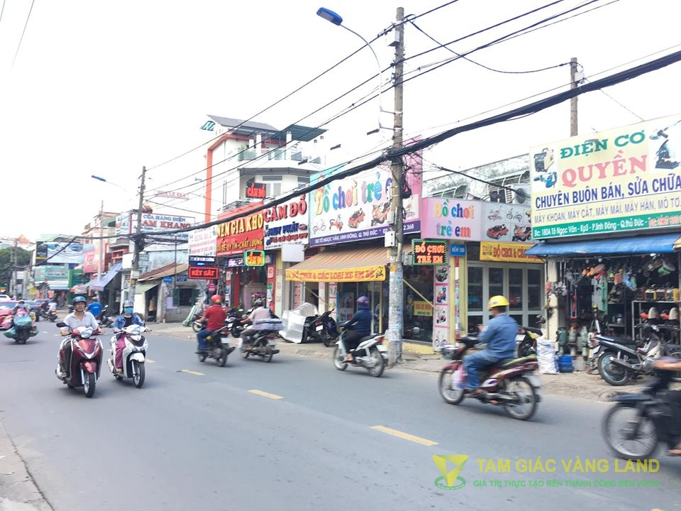 Cho thuê nhà mặt tiền đường Tô Ngọc Vân, Phường Linh Đông, Quận Thủ Đức, DT 9x20m, cấp 4 , Giá 50 triệu/tháng