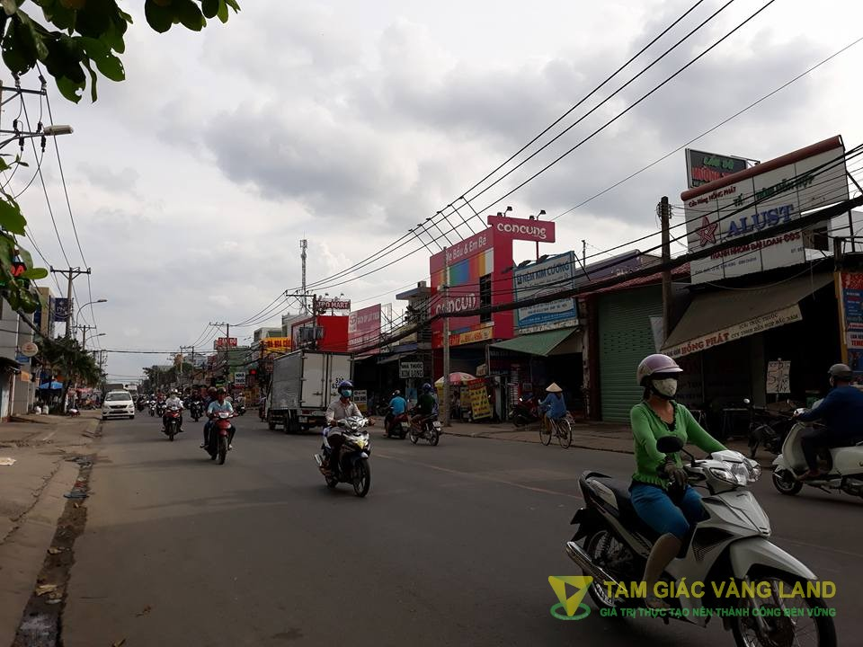 Cho thuê nhà mặt tiền đường Quốc Lộ 50, Xã Bình Hưng, Huyện Bình Chánh, DT 15.5x25m, nhà cấp 4, Giá 100 triệu/tháng