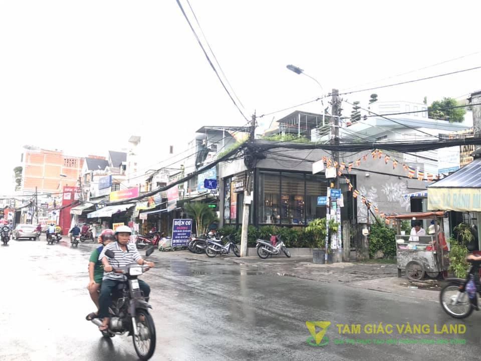 Cho thuê nhà mặt tiền đường Đỗ Xuân Hợp, Phường Phước Long B, Quận 9, DT 8x24m, Cấp 4, Giá 110 triệu/tháng