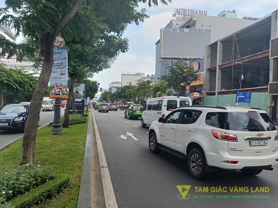 Cho thuê nhà mặt tiền đường Trường Sơn, Phường 2, Quận Tân Bình, DT 8x15m, 1 trệt 1 lầu, Giá 6000 usd/tháng