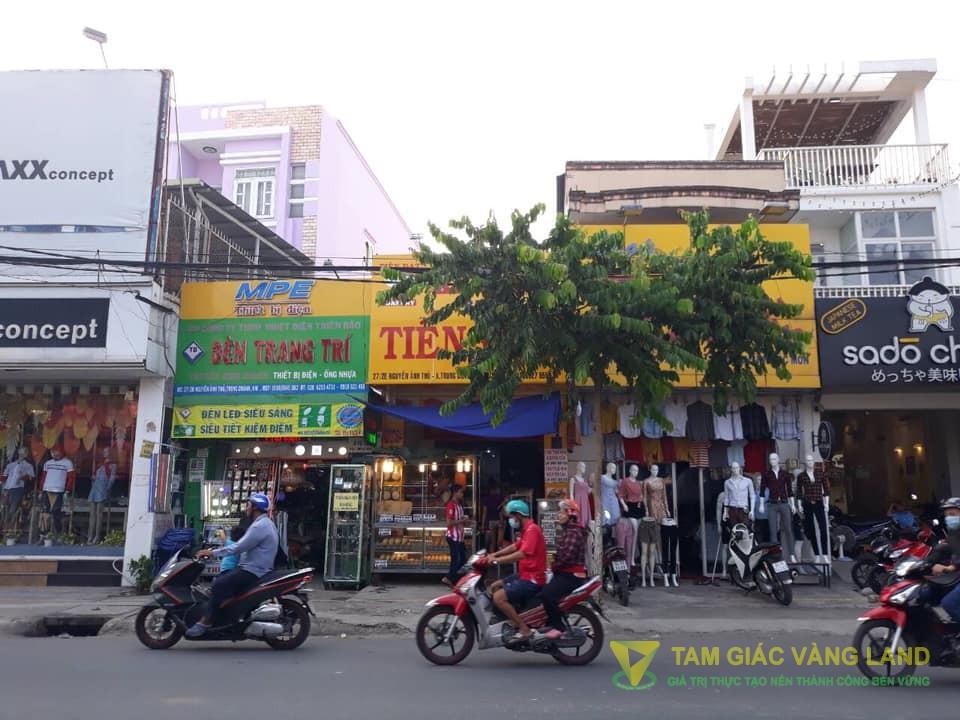 Cho thuê nhà mặt tiền đường Nguyễn Ảnh Thủ, Xã Trung Chánh, Huyện Hóc Môn, DT 3.5x30m, cấp 4, Giá 27 triệu/tháng
