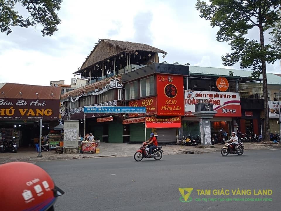 Cho thuê nhà mặt tiền đường Trần Hưng Đạo, Phường 7, Quận 5, DT 4x24m, 1 trệt 1 lầu sân thượng, Giá 150 triệu/tháng