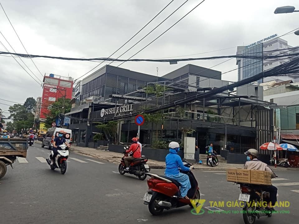 Cho thuê nhà mặt tiền đường Đồng Nai, Phường 15, Quận 10, DT 12x20m, 1 trệt 1 lầu, Giá 230 triệu/tháng