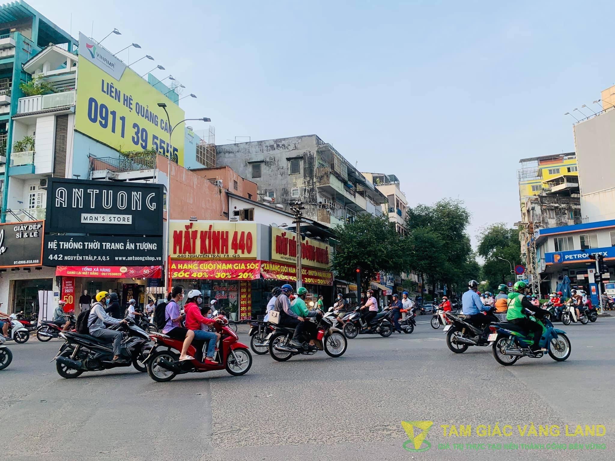 Cho thuê nhà mặt tiền đường Nguyễn Trãi, Phường 8, Quận 5, DT 4x12m, 1 trệt 1 lầu, Giá 150 triệu/tháng