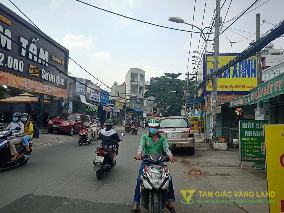 Cho thuê nhà mặt tiền đường Nguyễn Duy Trinh, Phường Bình Trưng Tây, Quận 2, DT 3.8x30m, Nhà cấp 4, Giá 27 triệu/tháng