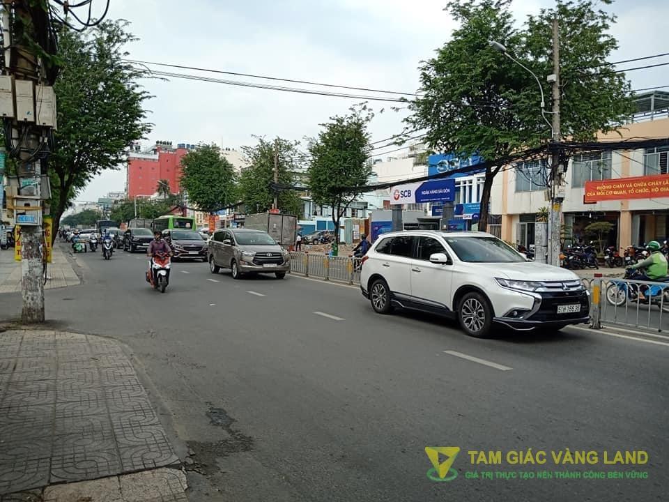 Cho thuê nhà mặt tiền đường Trường Chinh, Phường 13, Quận Tân Bình, DT 5.5x14m, Mặt bằng LDR, Giá 30 triệu/tháng